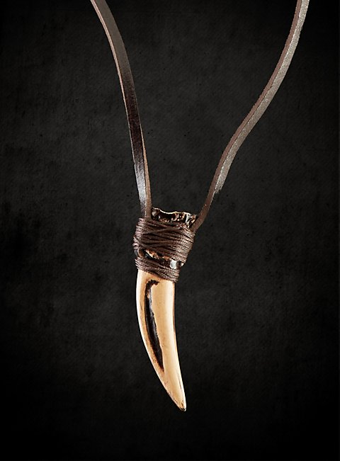 frank miller s 300 king leonidas wolf tooth amulet