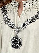 Silberne Collane mit Tudor-Rose