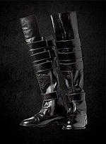 Kniehohe Stiefel mit abgeflachter Spitze