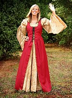 Red Kirtle with Removable Sleeves